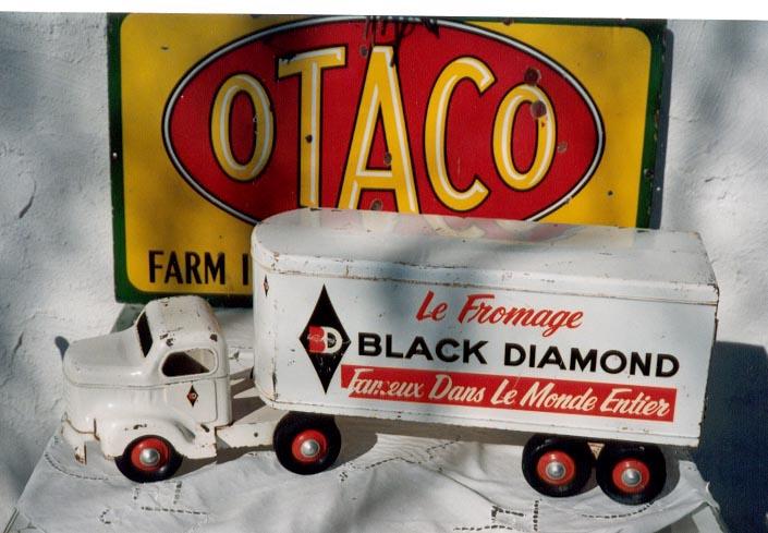 Black_Diamond_Cheese.JPG