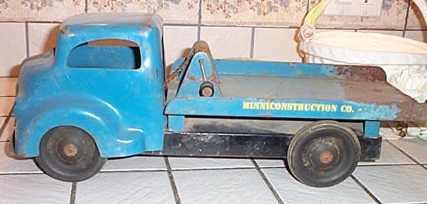 Blue_Winch_Truck.jpg