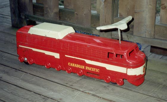 red_canadaian_pacific_train.jpg